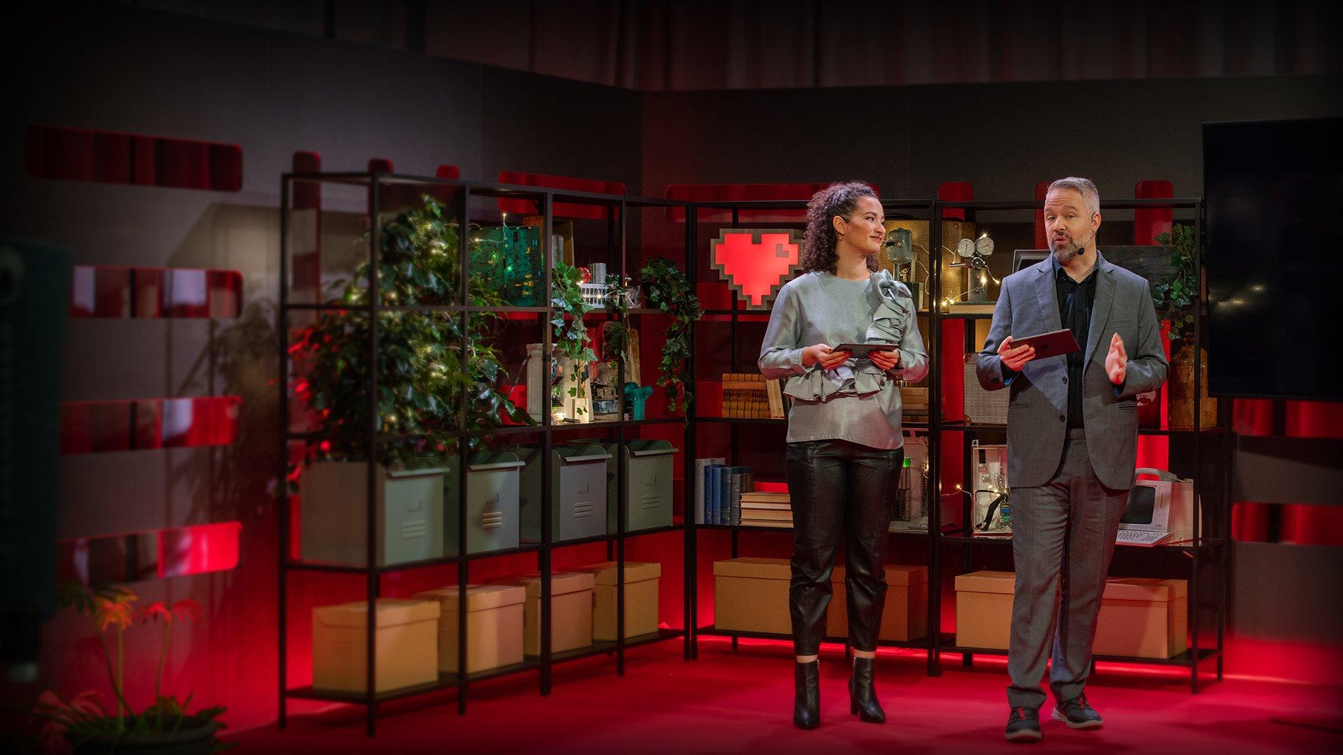 Aisha Mossberg och Måns Jonasson i studion från Internetdagarna